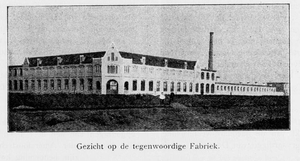 gezicht-op-de-tegenwoordige-fabriek